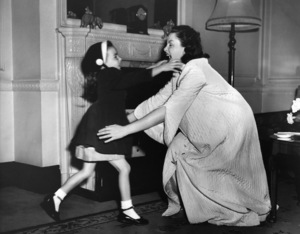 Judy Garland and daughter Liza Minnelli1950** I.V. - Image 0733_2270