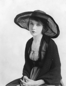 """Lillian Gish in """"Way Down East"""" 1920 United Artists **I.V. - Image 0734_0029"""