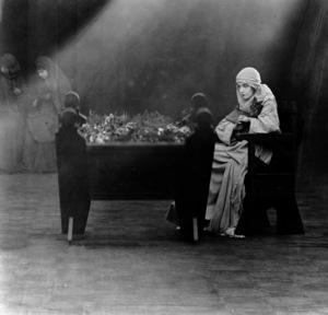 Lillian Gish, INTOLERANCE, Wark Producing Corp., 1916, **I.V. - Image 0734_0039