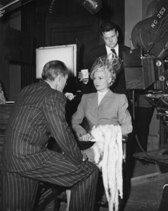 "Rita Hayworth and Orson Welles on the set of ""The Lady from Shanghai""1947 Columbia PicturesPhoto by Cronenweth** I.V. - Image 0742_2069"