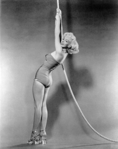 """Marilyn Monroe publicity shot for""""How To Marry A Millionaire"""" 1953.Photo by Bert Riesfeld - Image 0758_0043"""
