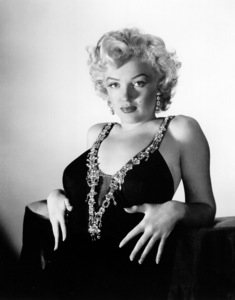 """Marilyn Monroe publicity photo for """"Love Nest"""" (1951)Photo by Frank Powolny - Image 0758_0193"""