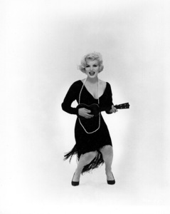 """Marilyn Monroe publicity still for """"Some Like It Hot,""""  1959 / UA - Image 0758_0212"""