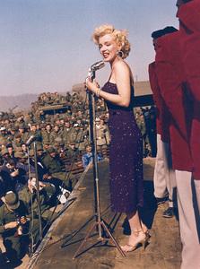 Marilyn Monroe singing to troops in Korea, 1954. - Image 0758_0242