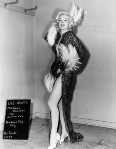 "Marilyn Monroe wardrobe test for""Gentlemen Prefer Blondes""1953 / 20th Century Fox - Image 0758_0258"