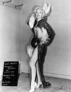 "Marilyn Monroe wardrobe test for""Gentlemen Prefer Blondes""1953 / 20th Century Fox - Image 0758_0258"