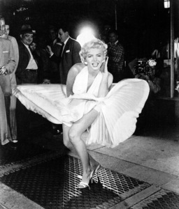 """Marilyn Monroe publicity still for""""Seven Year Itch, The"""" 1955 / 20th Century Fox - Image 0758_0273"""