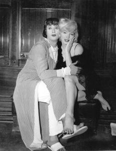 "Marilyn Monroe & Tony Curtis""Some Like It Hot""1959 / UA - Image 0758_0283"
