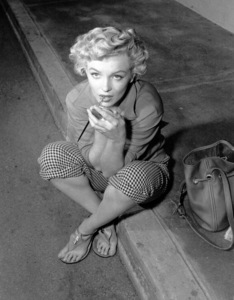 """Marilyn Monroeon the set of """"Clash By Night""""taken in 1951.  Photo by Ernest Bachrach - Image 0758_0322"""