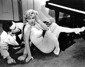 """Marilyn Monroe with Tom Ewell""""Seven Year Itch, The""""1955 / 20th Century Fox - Image 0758_0331"""