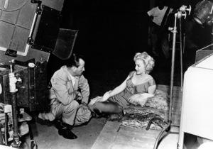 "Marilyn Monroebehind the scenes of ""Niagara.""1952 / 20th Century Fox - Image 0758_0370"