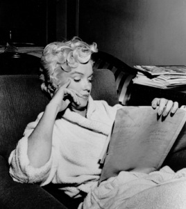 "Marilyn Monroe during a breakin filming ""Seven Year Itch, The""1954. - Image 0758_0371"