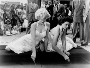 Marilyn Monroe and Jane Russellat the Grauman