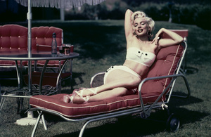 Marilyn Monroe at her Hollywood home1952 - Image 0758_0398