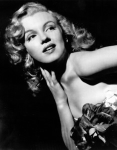 """Marilyn Monroe publicity shot forUnited Artists, which signed her upfor the film """"Love Happy""""  1948Photo by Madison Lacey / **R.C. - Image 0758_0410"""