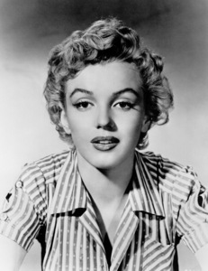 """Marilyn Monroe publicity shot for""""Clash By Night"""" 1951.**R.C. - Image 0758_0413"""