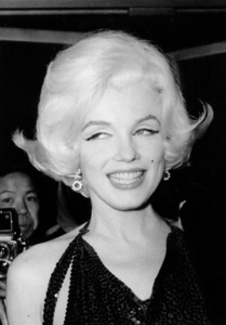 Marilyn Monroe atthe Golden Globe Awards3/5/62 - Image 0758_0542