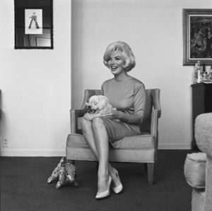 Marilyn Monroe with pet Maf Honey at the Beverly Hills Hotel1961 © 1978 Eric Skipsey - Image 0758_0574