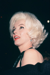 Marilyn Monroe at theGolden Globe Awards in 1962. © 1978 Bernie Abramson - Image 0758_0613