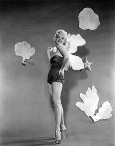 Marilyn Monroe, 1953.Photo by Bert Riesfeld - Image 0758_0659