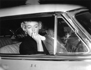 Marilyn Monroe, Jerry GeislerAfter the announcement of her divorce from Joe Dimaggio, 1954.**I.V. - Image 0758_0831