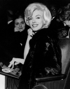 "Marilyn Monroe in the audiencefor the opening night of ""Macbeth""in New York, February 1962. - Image 0758_0938"