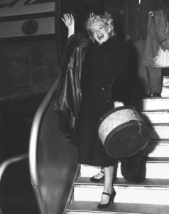 Marilyn Monroe, 3/5/54.**I.V. - Image 0758_0967