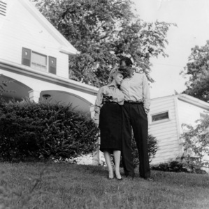 Marilyn Monroe, Arthur Miller, outside home in Roxbury CT, Photos Match Photo, circa 1958, **I.V. - Image 0758_0968