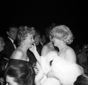 Marilyn Monroe and Shelley Winters at the Golden Globe Awards1960 © 1978 David Sutton - Image 0758_1019