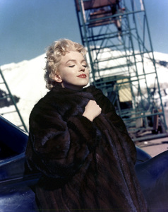 """Marilyn Monroe during the filming of """"Bus Stop""""1956** I.V. - Image 0758_1022"""