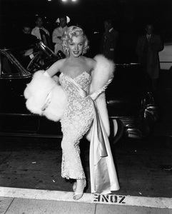 """Marilyn Monroe at the premiere of """"How to Marry a Millionaire""""circa 1953** I.V. - Image 0758_1064"""