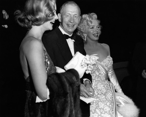 """Lauren Bacall and Marilyn Monroe at the premiere of """"How to Marry a Millionaire""""circa 1953** I.V. - Image 0758_1065"""