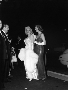 """Marilyn Monroe and Lauren Bacall at the premiere of """"How to Marry a Millionaire""""circa 1953** I.V. - Image 0758_1068"""