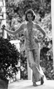 Natalie Wood at home in Beverly Hills, Ca., 1966. © 1978 Gunther - Image 0764_0273