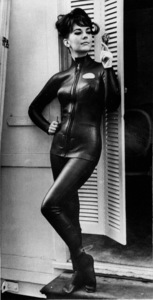 "Natalie Wood on the step of her dressing roomin a wet-suit for a scene in the movie""The Great Race,"" 1965. - Image 0764_0352"