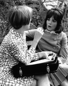 Natalie Wood in Central Park withFood Columnist Johna Blinn, 1966. - Image 0764_0356