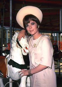 Natalie Woodcirca 1966**I.V. - Image 0764_0405