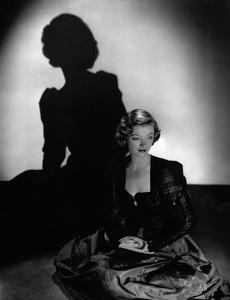 Myrna Loycirca 1940Photo by Laszlo Willinger - Image 0771_0317