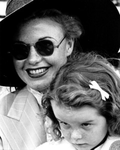 Ginger Rogers with young girl1938Copyright John Swope Trust / MPTV - Image 0772_2271
