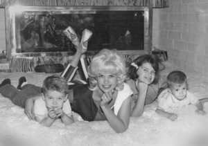 Jayne Mansfield at home with Miklos, Jayne Marie and Zoltan1963 © 1978 Eric Skipsey - Image 0774_0554