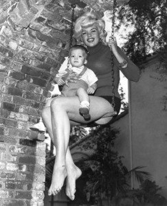 Jayne Mansfield at home with her son Zoltan (age 3)1963 © 1978 Eric Skipsey - Image 0774_0555