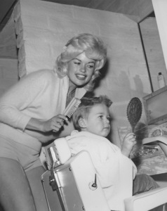 Jayne Mansfield at home with her son ZoltanCirca 1967 © 1978 Eric Skipsey - Image 0774_0557