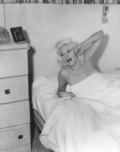 Jayne Mansfield at homeCirca 1957 © 1978 Gabi Rona - Image 0774_0602