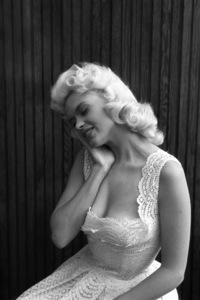 Jayne Mansfield at home1956 © 1978 Lou Jacobs Jr. - Image 0774_0645