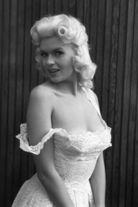 Jayne Mansfield at home1956 © 1978 Lou Jacobs Jr. - Image 0774_0655
