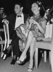 "Elizabeth Taylor and Eddie Fisher atthe ""Beverly Hilton Awards Dinner""1957 © 1978 Bernie AbramsonMPTV - Image 0796_0001"