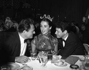 """Beverly Hilton Awards Dinner""Michael Todd, Elizabeth Taylor, Eddie Fisher1957 © 1978 Bernie Abramson - Image 0796_0002"