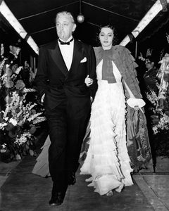 "John Barrymore and his wife Elaine Barrie arriving at the Carthay Circle Theatre for the premiere of ""Marie Antoinette""07-10-1938 - Image 0801_0827"