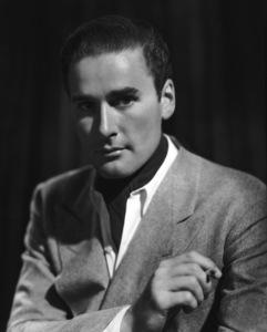 Errol FlynnC. 1935**I.V. - Image 0803_1043