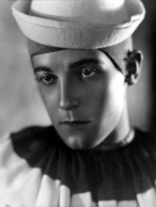 Ramon Navarroc. 1928Photo by George Hurrell - Image 0806_0376